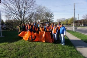 Earth Day 2017 – Local Realtor Members Help Keep Mason City Clean